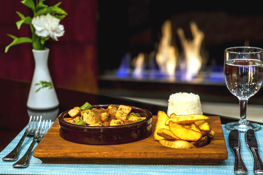 HOTEL İÇKALE :: Restoran ve Barlar